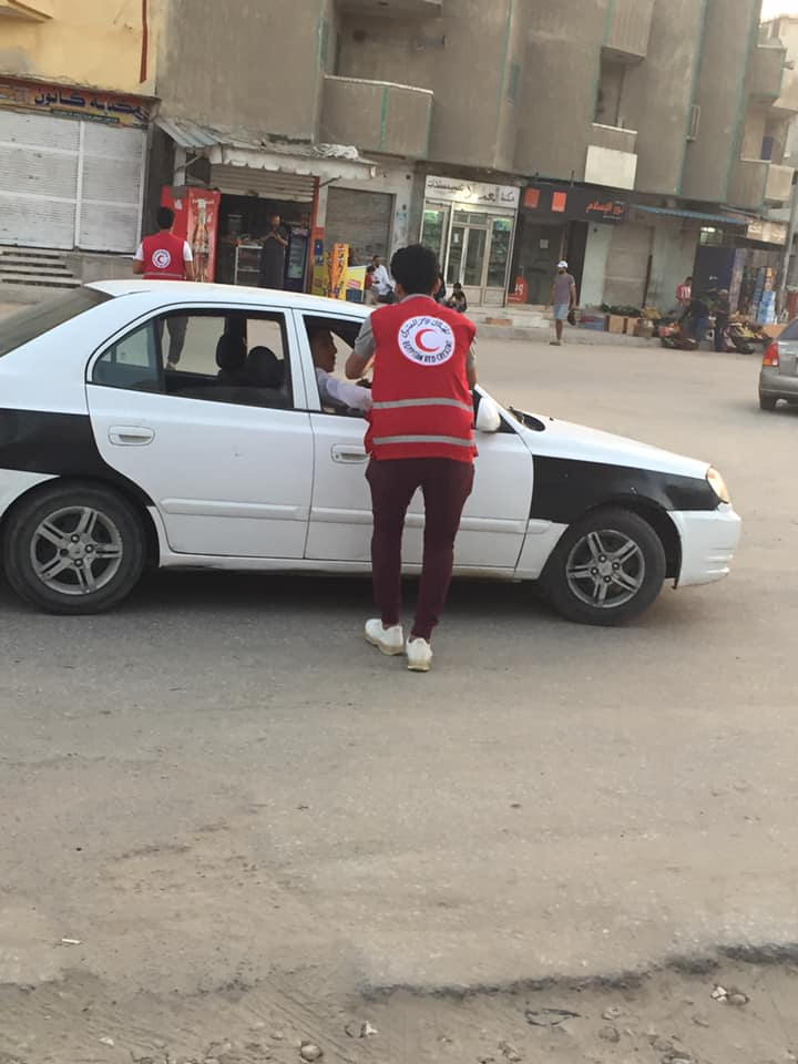 شباب شمال سيناء يتسابقون لإطفار الصائمين  (9)