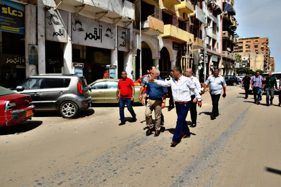محافظ بورسعيد يتفقد محور أوجينى (1)