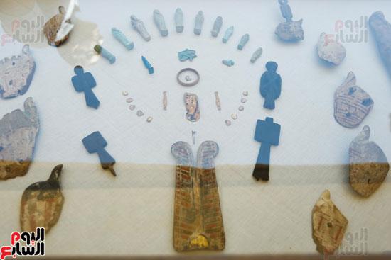 اكتشاف مقبرة لكاهنين من عصر الدولة القديمة فى الهرم (10)