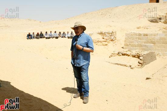 اكتشاف مقبرة لكاهنين من عصر الدولة القديمة فى الهرم (4)