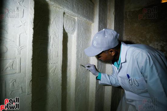 اكتشاف مقبرة لكاهنين من عصر الدولة القديمة فى الهرم (21)