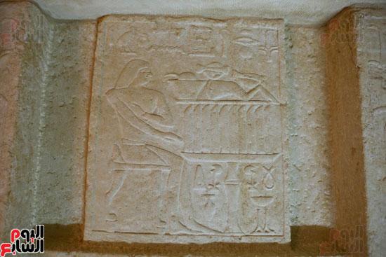 اكتشاف مقبرة لكاهنين من عصر الدولة القديمة فى الهرم (22)