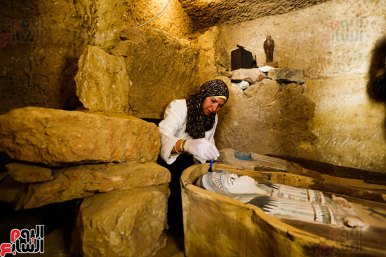 اكتشاف مقبرة لكاهنين من عصر الدولة القديمة فى الهرم (15)