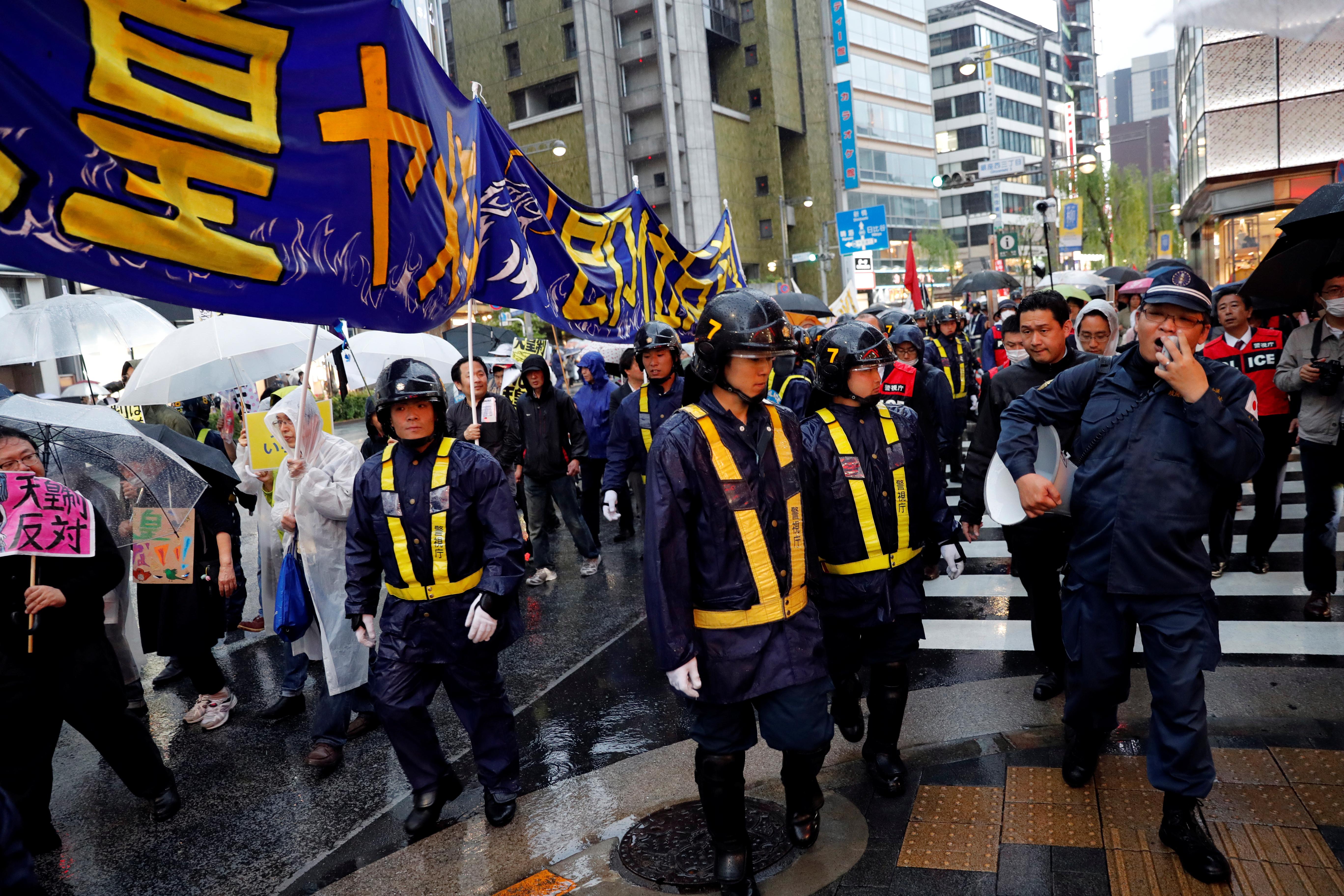2019-05-01T092257Z_1298453378_RC1B6E626A20_RTRMADP_3_JAPAN-EMPEROR-PROTEST