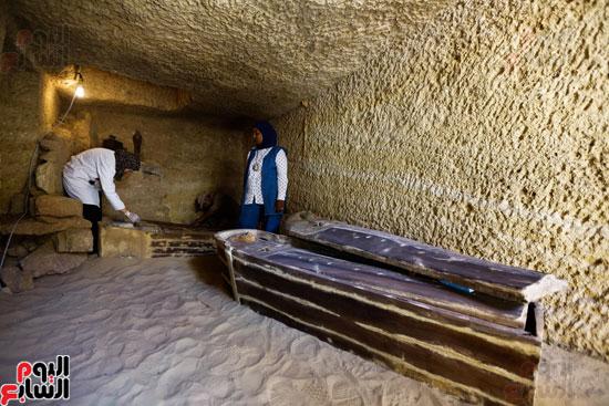 اكتشاف مقبرة لكاهنين من عصر الدولة القديمة فى الهرم (16)