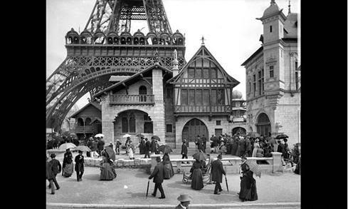 افتتح برج إيفل فى 31 مارس 1889