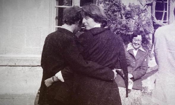 لحظات الرومانسية بين الحبيبين فى أكسفورد