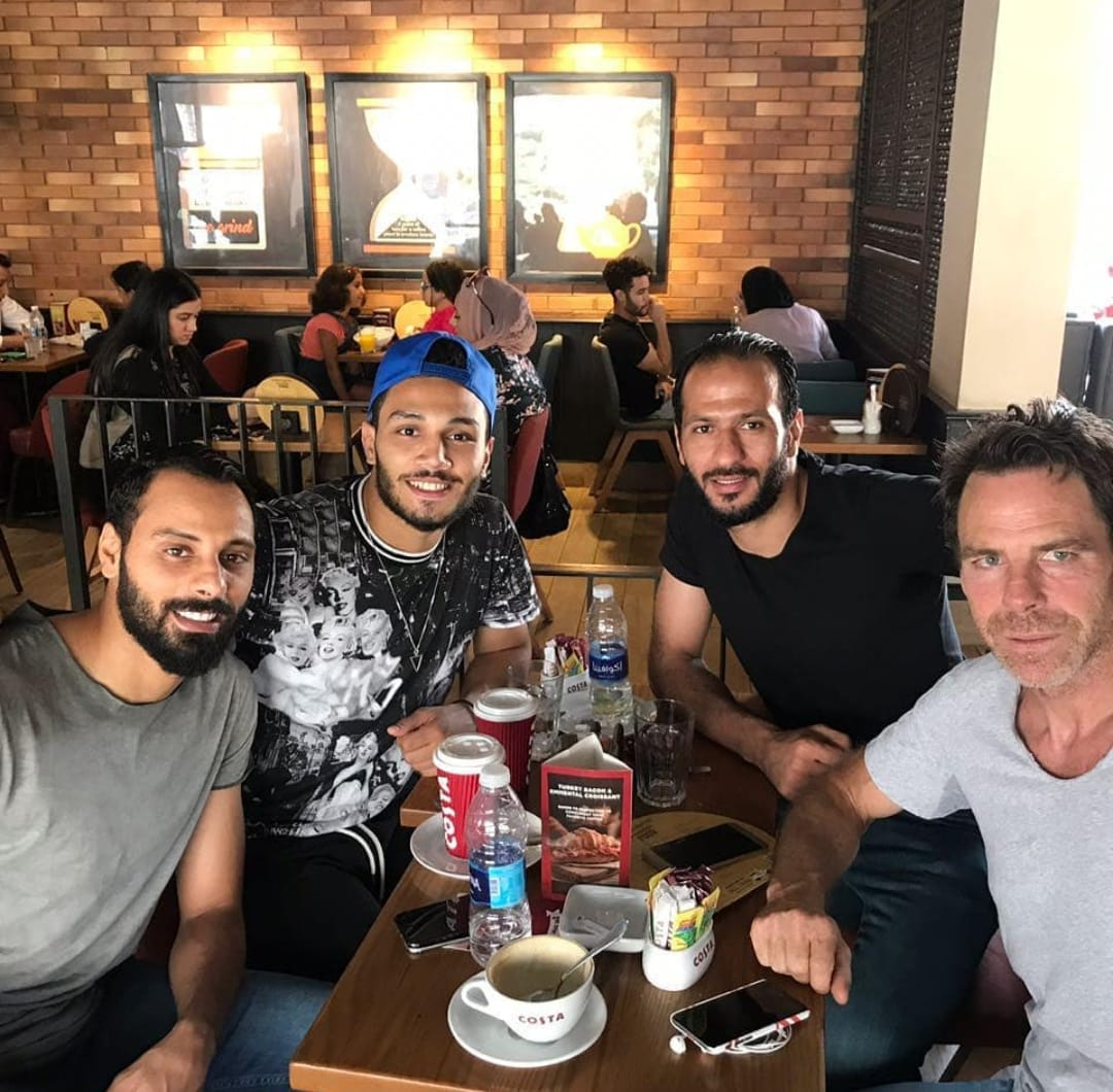 عماد السيد مع أصدقاؤه