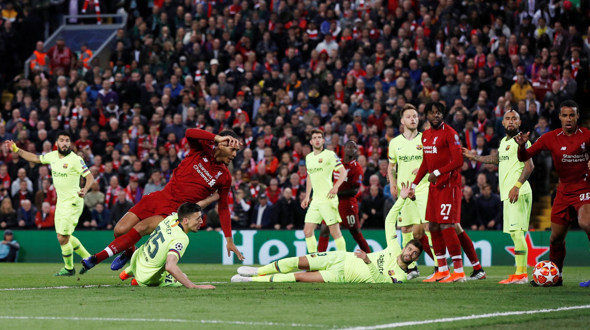 ليفربول ضد برشلونة  (6)