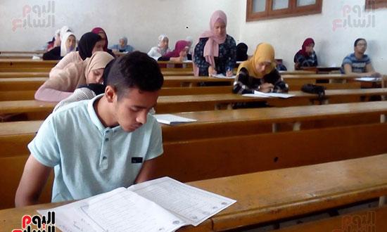 امتحانات نهاية العام (6)
