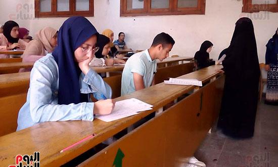 امتحانات نهاية العام (8)