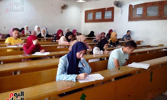 امتحانات نهاية العام (1)
