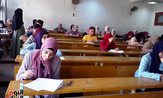 امتحانات نهاية العام (7)