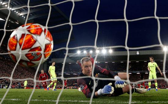 ليفربول ضد برشلونة (57)