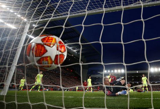 ليفربول ضد برشلونة (56)