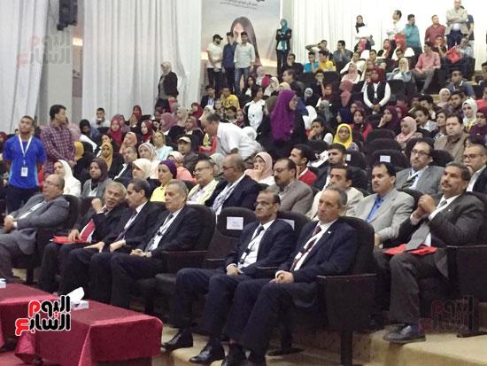 مؤتمر البحوث الطلابية الثالث بجامعة قناة السويس (3)