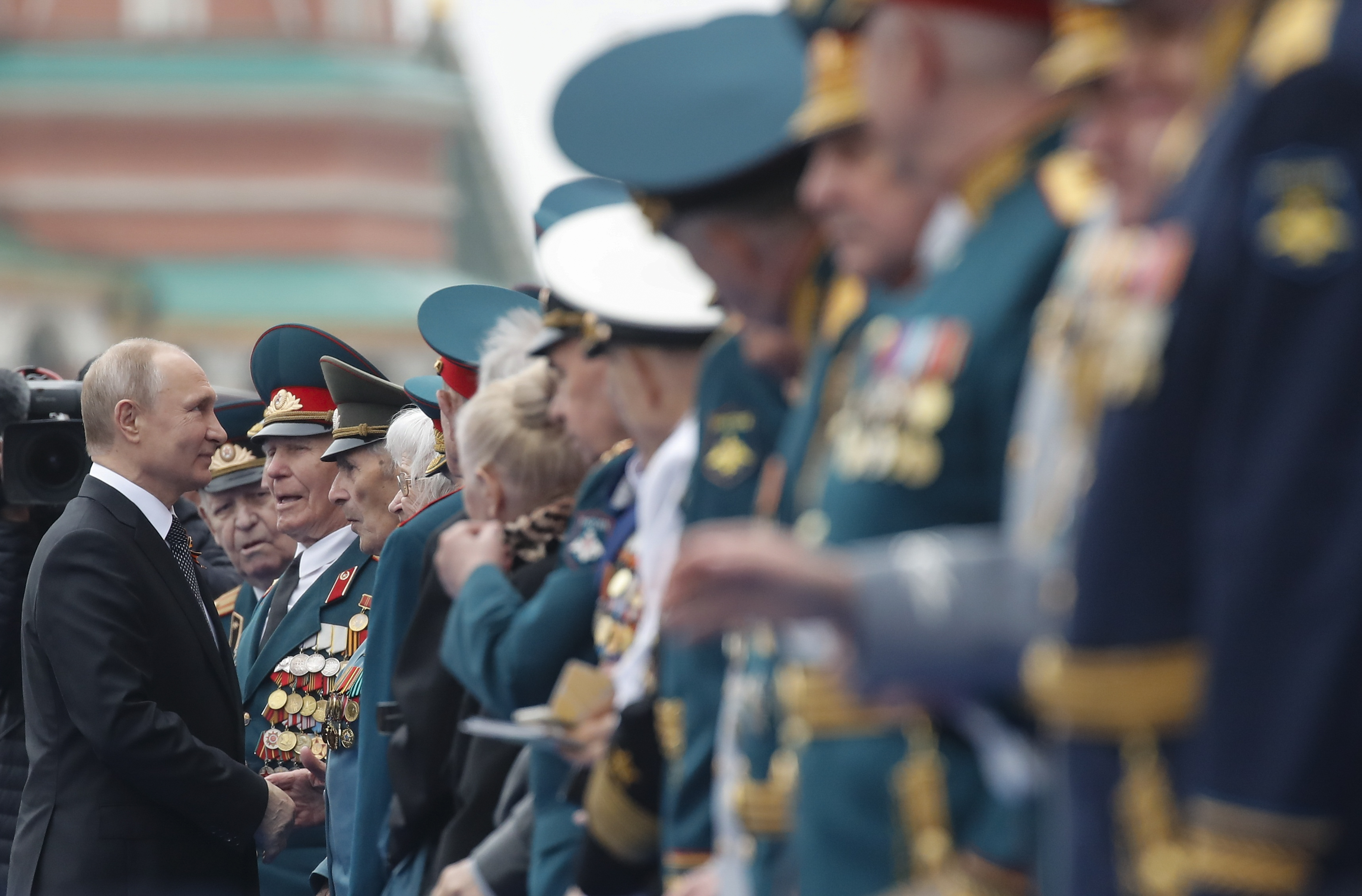 2019-05-09T085528Z_999506799_UP1EF590OSG52_RTRMADP_3_WW2-ANNIVERSARY-RUSSIA-PARADE