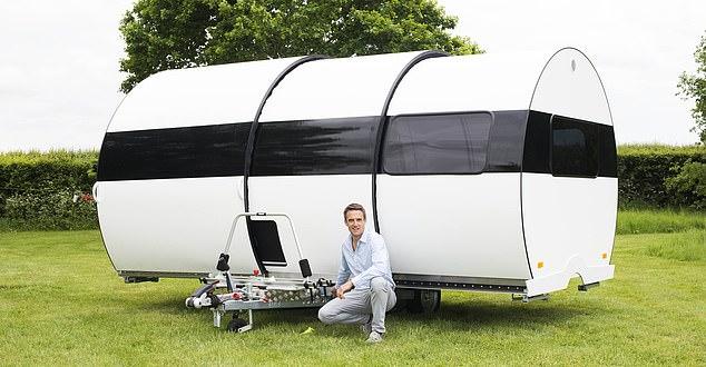 مخترع يبتكر قافلة كرفان تكبر 3 مرات للرحلات (6)