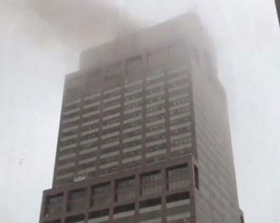 اصطدام مروحية أمريكية بمبنى فى نيويورك (10)
