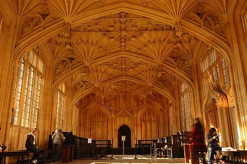 مكتبة بودليان ومدارس الألوهية ، أكسفورد