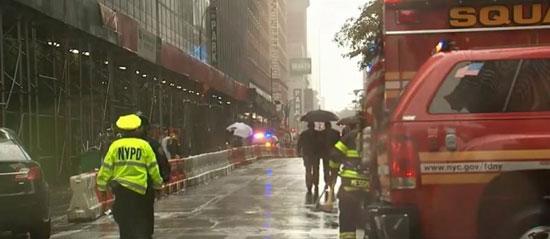 اصطدام مروحية أمريكية بمبنى فى نيويورك (3)