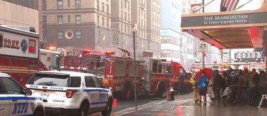 اصطدام مروحية أمريكية بمبنى فى نيويورك (2)