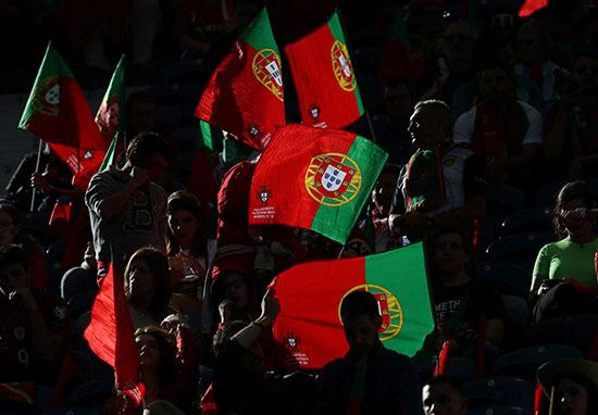 جماهير البرتغال فى المدرجات