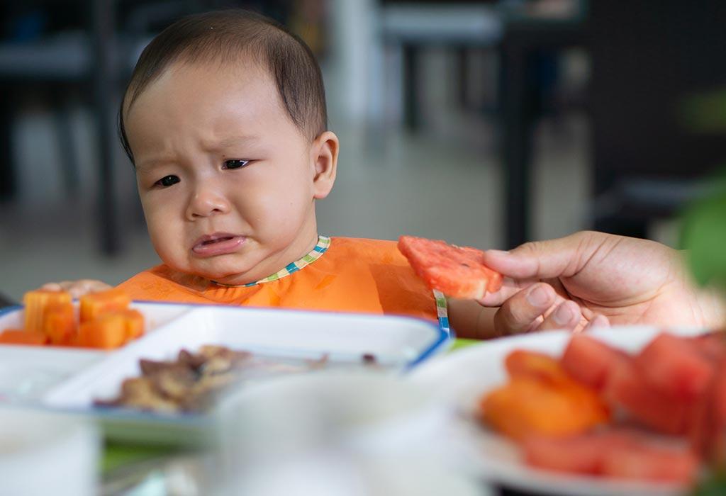 اطعام الطفل