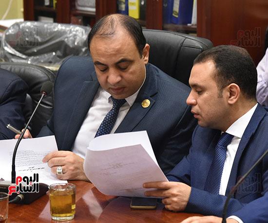 اجتماع-لجنة-الإسكان-والمرافق-العامة-برئاسة-النائب-علاء-والى--(3)