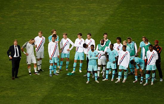 الحزن يخيم على لاعبو المنتخب الهولندى