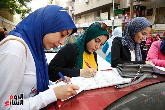 الطلاب قبل الامتحان