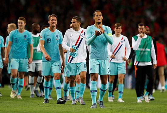 الحزن على وجوه لاعبو هولندا