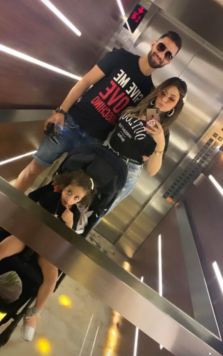 عمرو السولية و زوجته هدير و أبنته ليلى فى دبى