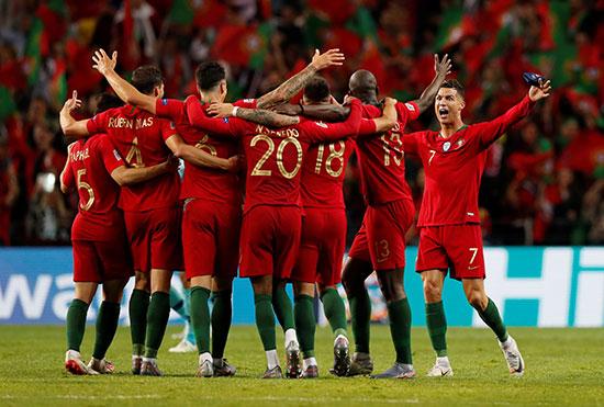 فرحة لاعبو البرتغال بالفوز