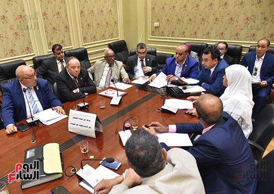 اجتماع-لجنة-الإسكان-والمرافق-العامة-برئاسة-النائب-علاء-والى--(1)