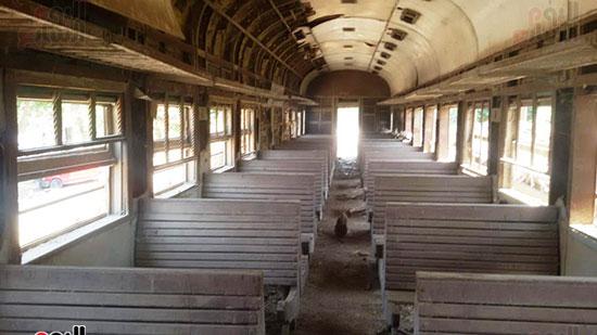 قطار مهجورة تتحول لعشش فراخ (3)