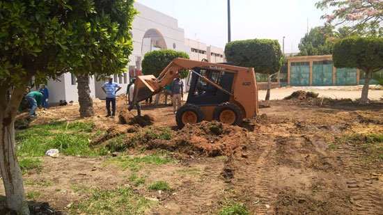 محافظ القاهرة يتفقد محيط استاد القاهرة   (6)