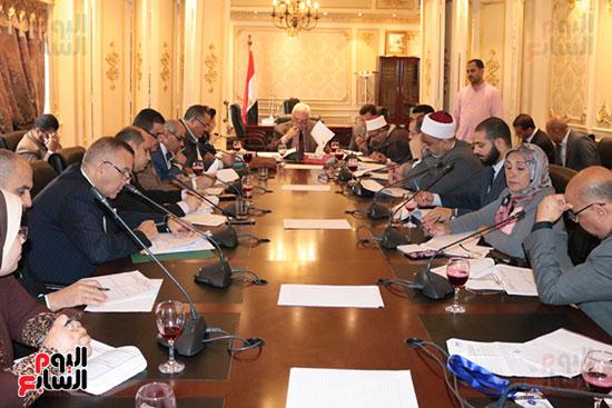 لجنة الشؤن الدينية (1)