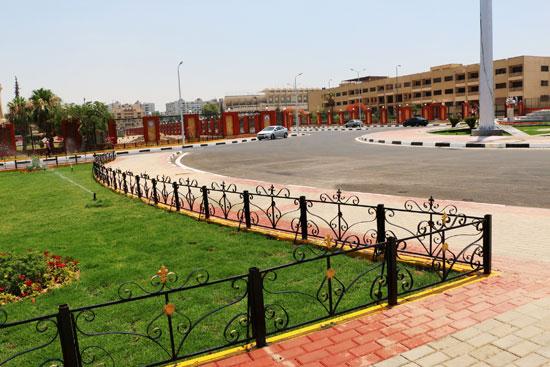 محافظ القاهرة يتفقد محيط استاد القاهرة   (2)