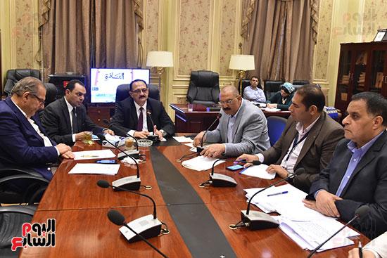 لجنة النقل والمواصلات (2)