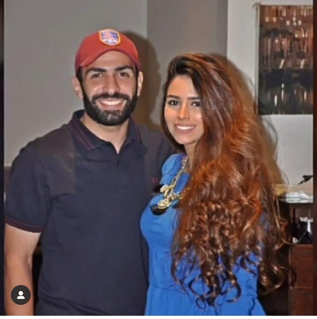 أسامة إبراهيم و زوجته  2