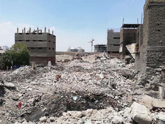 محافظة القاهرة تستكمل هدم مدابغ سور مجرى العيون   (3)