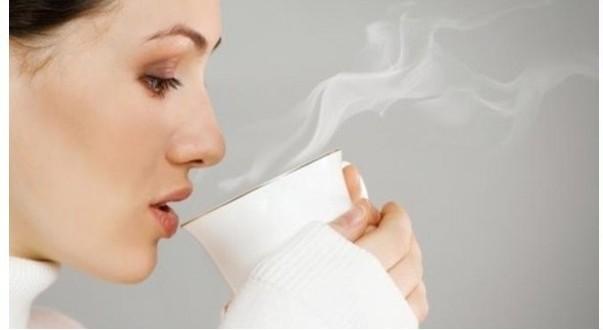 10 فوائد لشرب الماء الدافىء
