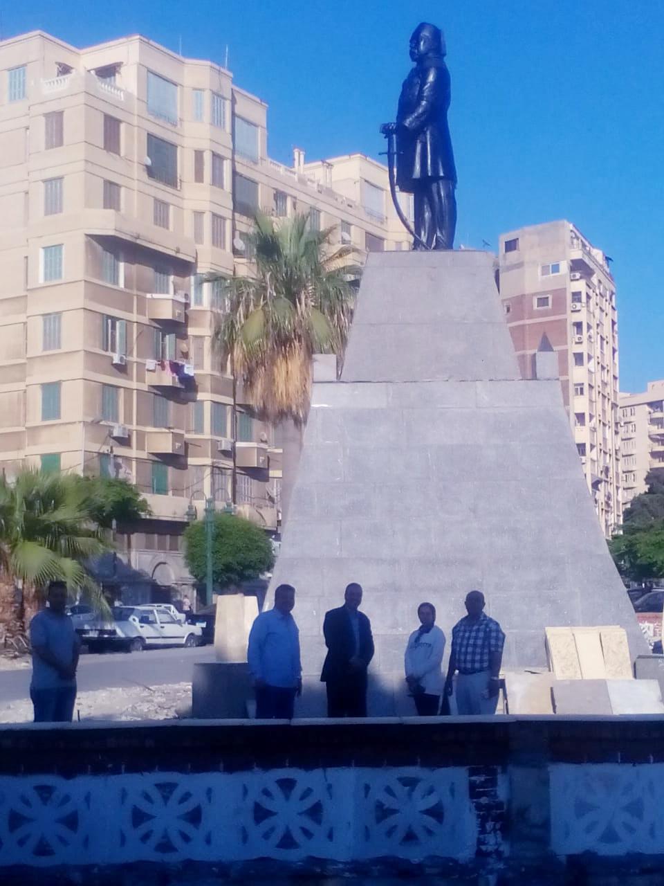 تمثال الخديوى إسماعيل بوسط الإسكندرية (2)