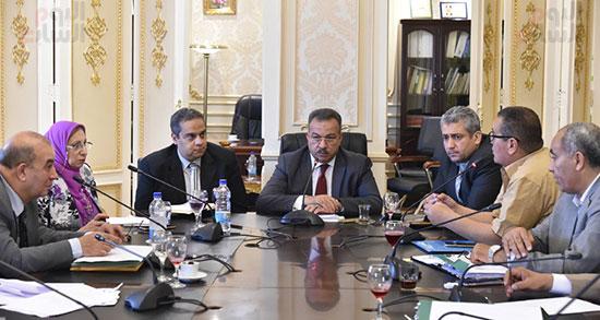 لجنة الشئون الصحية بالبرلمان (4)