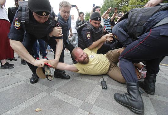 جانب-من-الاحتجاجات