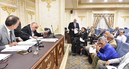 لجنة اقتراحات  (4)