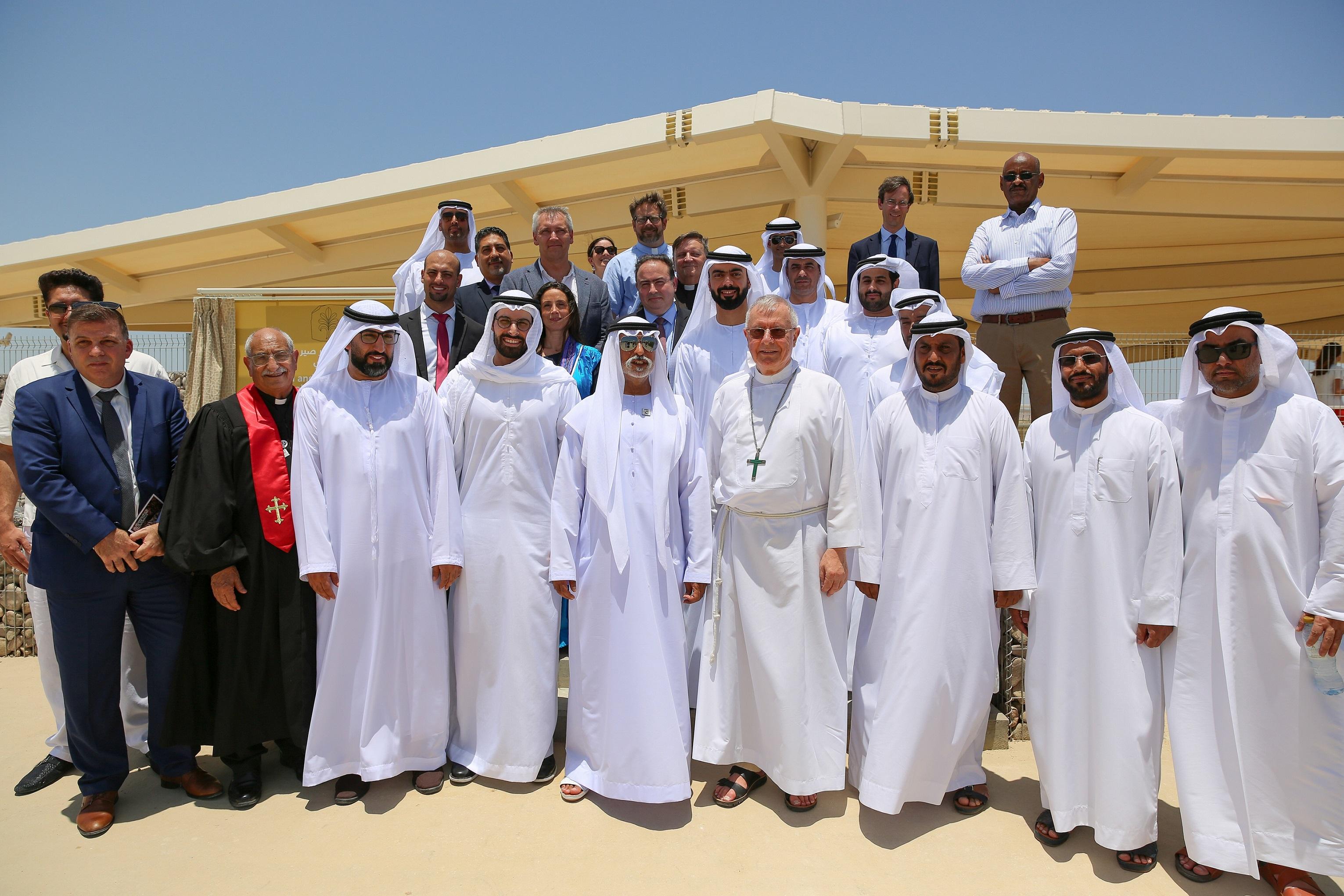 نهيان بن مبارك يدشن موقع كنيسة ودير صير بني ياس(1)