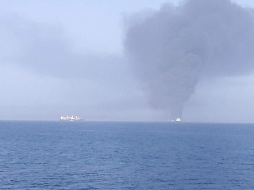 صورة أولية بعد ضرب ناقلة النفط بطوربيد فى خليج عمان