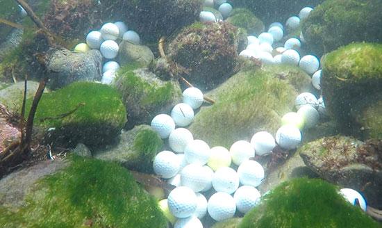 صور.. العشرات من كرات الجولف المفقودة على أرضية المحيط الهادئ (3)